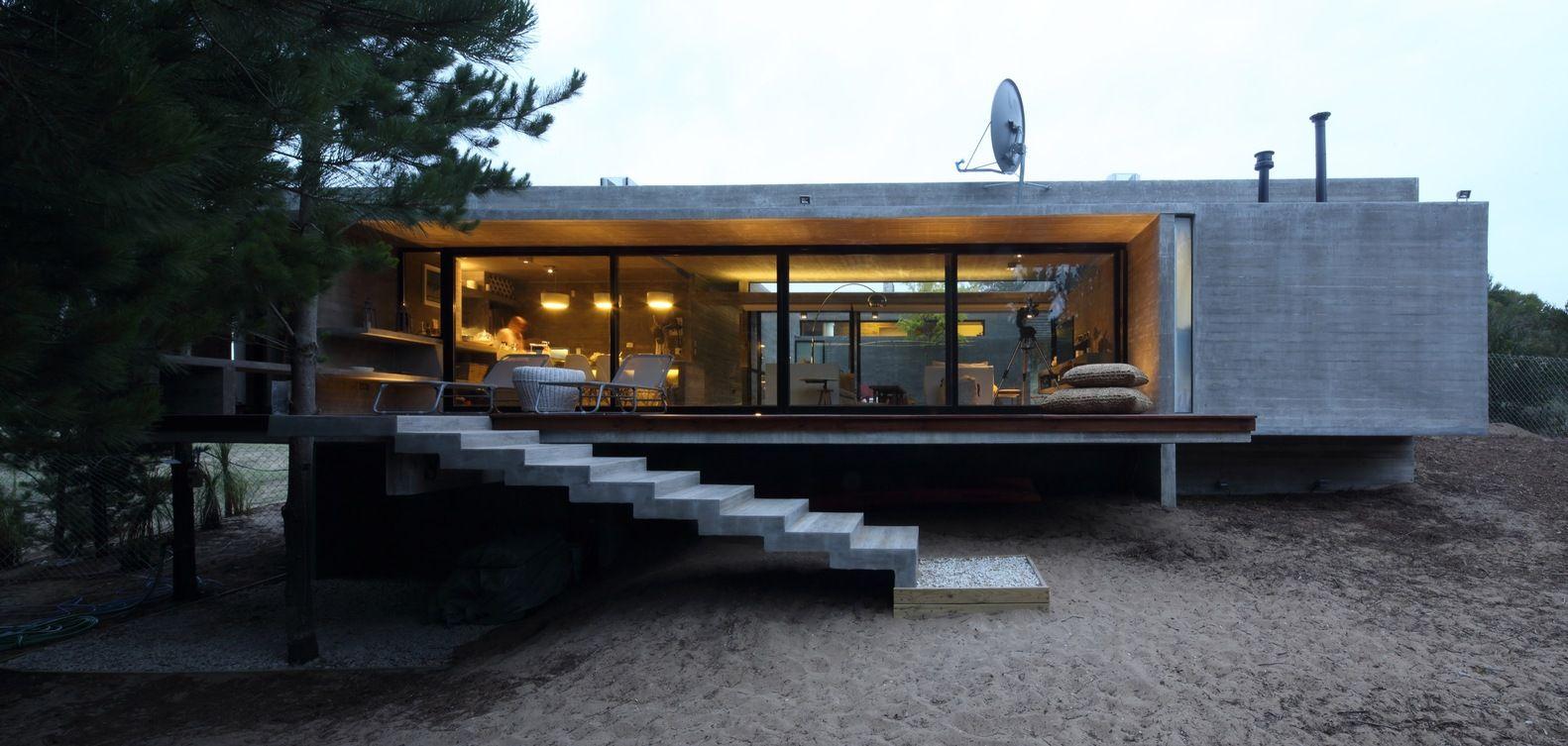 Galeria De Casa S S Besonias Almeida Arquitectos 6 Architecture Modern Small House Design Architecture House