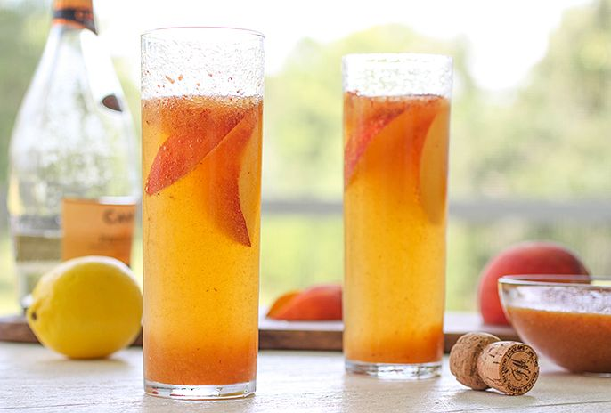 Boozey Tuesdays – Fresh Peach Billinis