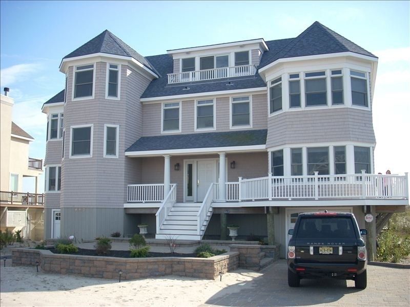 8br glamorous oceanfront home with pooljacuzzi last