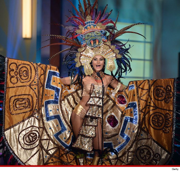 Miss el salvadors national costume in the missuniverse pageant miss el salvador patricia murillo participtaes in the annual miss universe preliminary show at florida international university on january 2015 in miami sciox Gallery