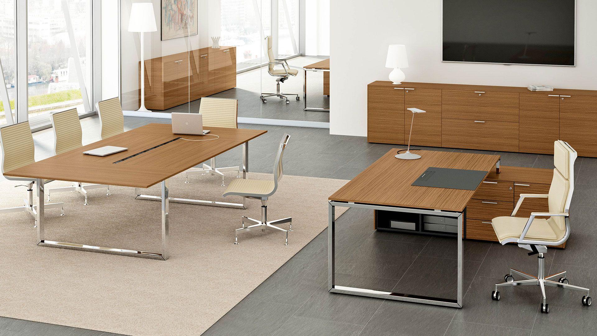 Wunderschoner Chefschreibtisch 200x100 Mit Schreibtischplatte Nussbaum Dekor Mit Streifen Chefbuero D Corporate Office Design Chefschreibtisch Buroschreibtisch