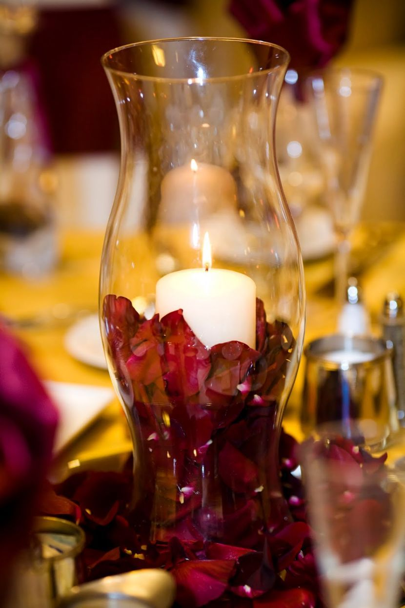 Stunning DIY Hurricane Vase Wedding Table Centerpiece With Candle And Petals