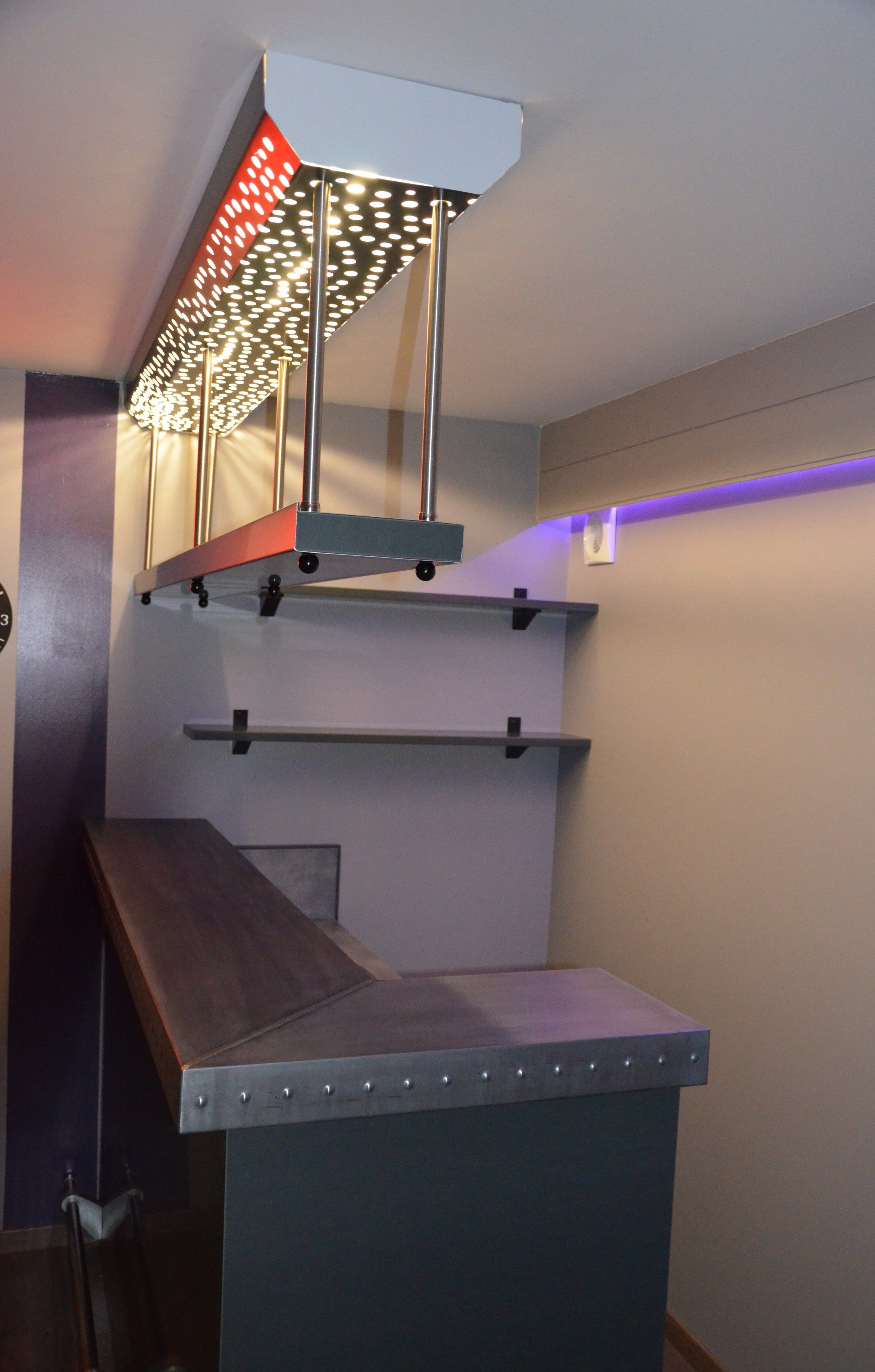Comptoir De Bar Et Ciel De Bar En Zinc Artisan Createur De Produits Indoor Et Oudoor En Cuivre Et En Zinc Je Realise Notamment Des C Loft Bed Home Decor Home