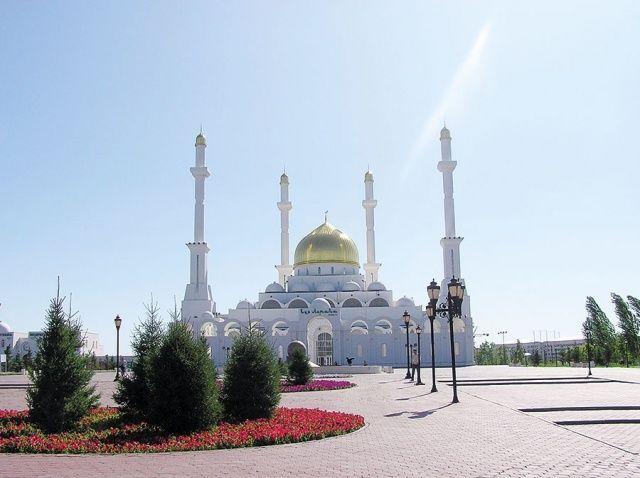 مساجد آسيا الوسطى روح الإسلام متجس دة في روائع المعمار Laha Magazine Taj Mahal World Landmarks
