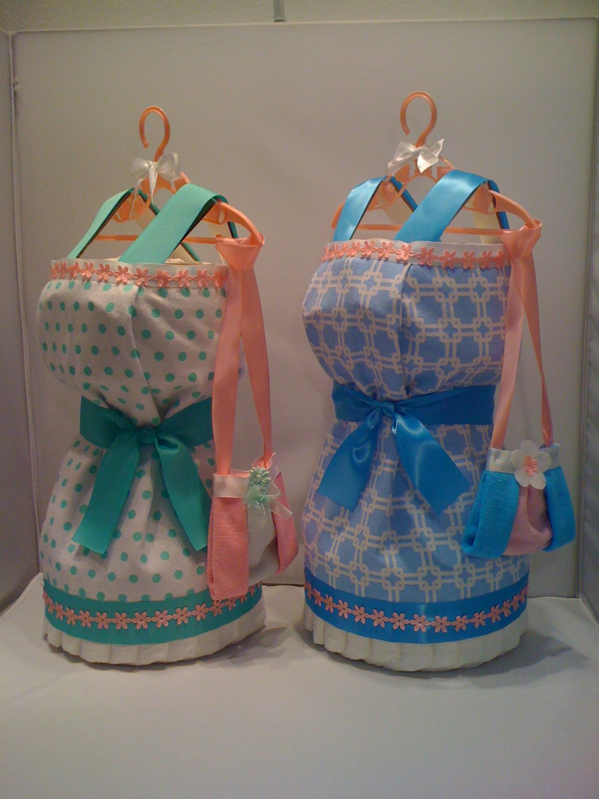 Dress Diaper Cake http://babyfavorsandgifts.com/dress-diaper-cake-p-69.html