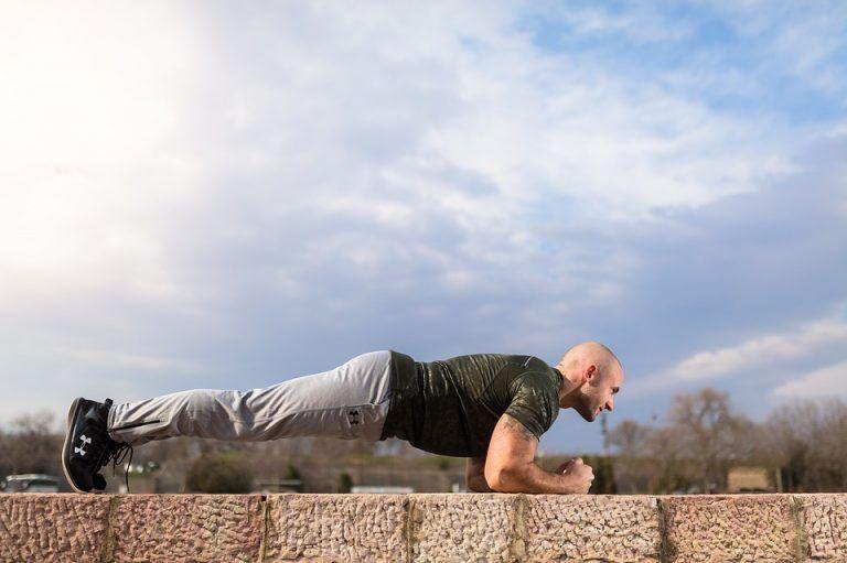 Diese Übung ist effektiver als 1000 Sit-ups! – Healthy Lifestyle 4her #4her #als #Diese #effektiver...