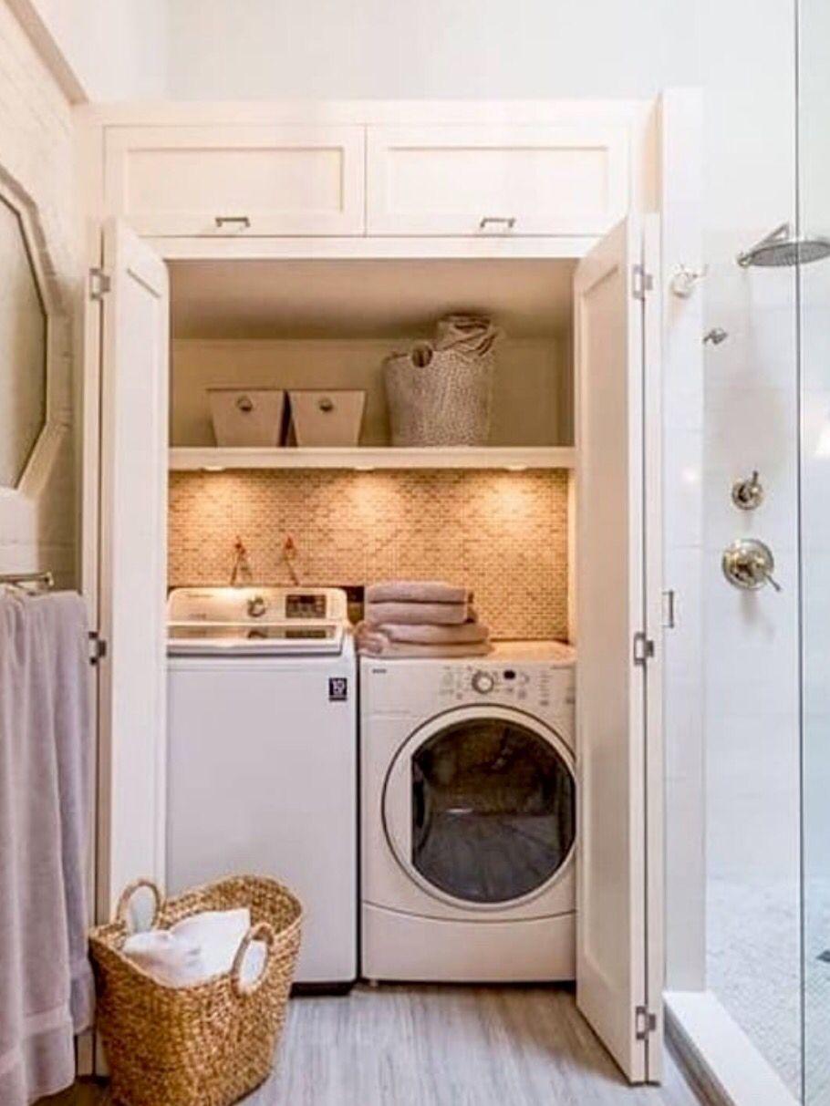 Cuando Hay Que Lavar La Ropa En El Bano Cuartos De Banos Pequenos Diseno De Interiores Casa Pequena Bano Con Lavadora