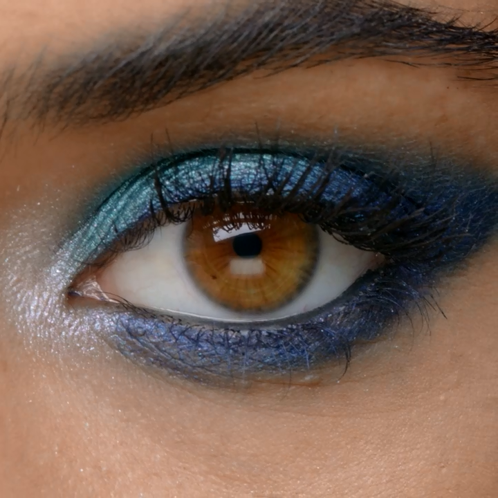 Make those gorgeous eyes pop & shimmer with the Iridescent Shimmer Eyeshadow! This offers a glimmering texture of color-changing shadows that gives you a metallic finish and dry down to a stay-put formula! You can tap them on top of another eye shadow for an even more multidimensional effect or wear alone for enough sparkle to spot from a mile away! It features 4 vibrant highly-pigmented blendable base colors that change colors when viewed from different angles!