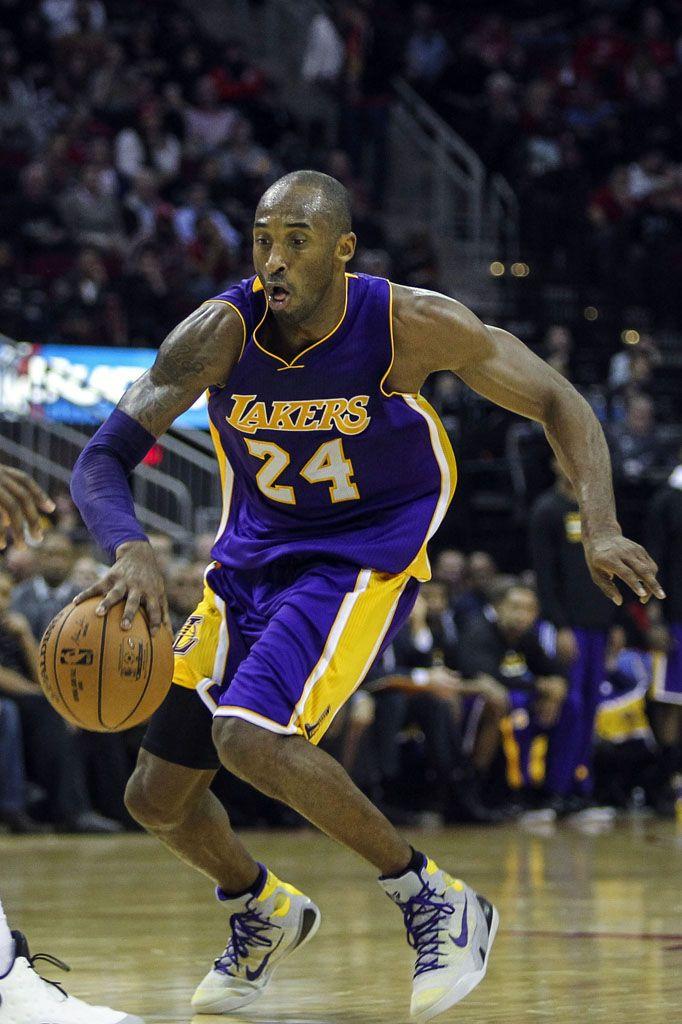 SoleWatch  Kobe Bryant Wears a New Nike Kobe 9 Elite  Lakers  PE ... 2b42f2b189e4
