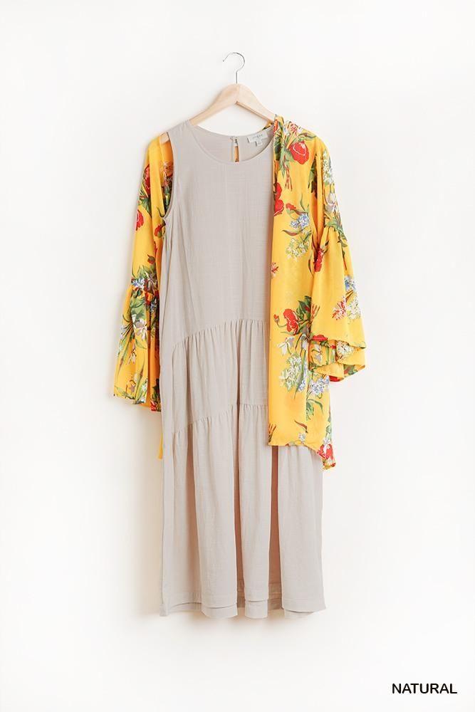 ImportedS.M.LSleeveless Tier Maxi Dress with Back Keyhole65% Cotton 35% Rayon NaturalUMG Sleeveless Tier Maxi Dress With Back Keyhole split Item Measurements: SIZE SMeasurements: SIZE SLength:44