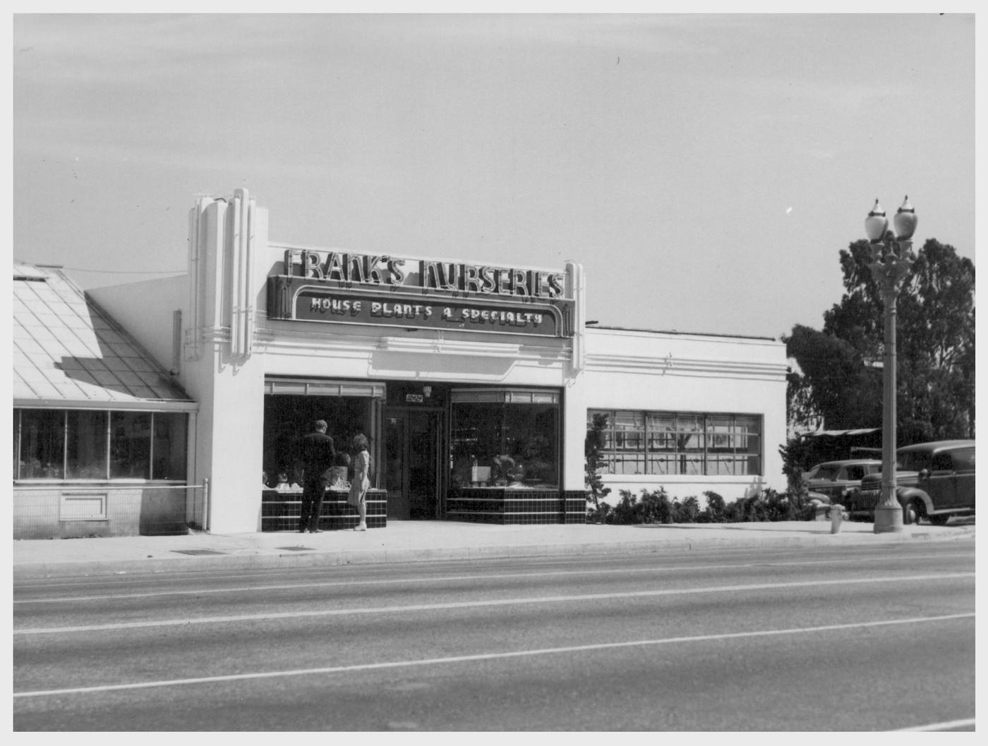 Noirish Los Angeles Robert Goka S Show Place Flower And
