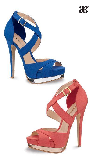 09eae5afc92f2 El verano es... para usar  sandalias altas.  azul  naranja  tacon