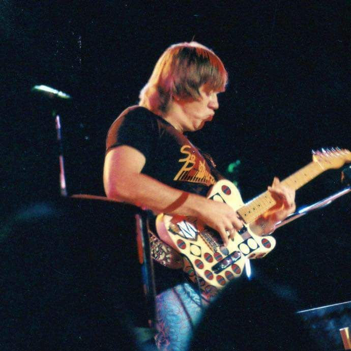 Terry Kath with that famous Fender Telecaster | Terry kath, Chicago the  band, Music pictures
