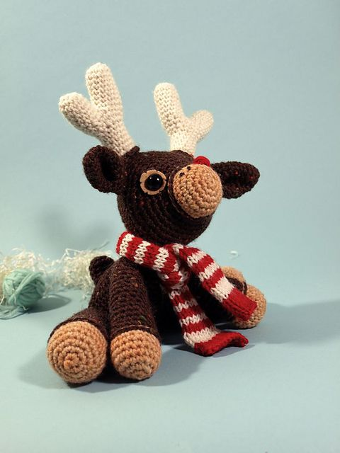 20 Crochet Reindeer Patterns Amigurumi Pinterest Crochet