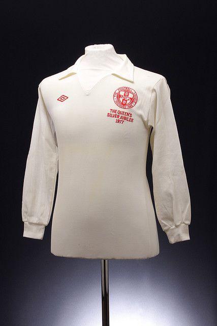English Football League Football Shirt (1977 Silver Jubilee)