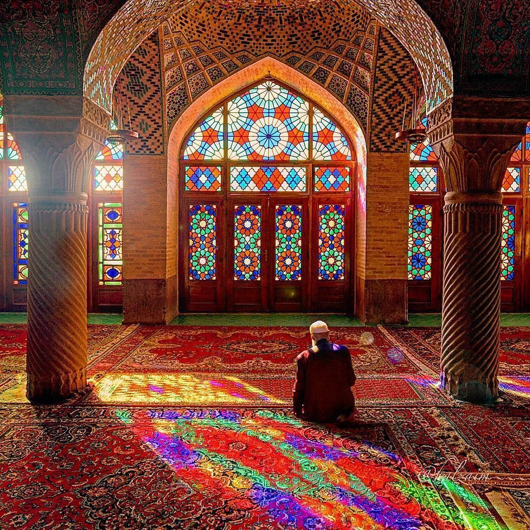 15 3 Mil Curtidas 103 Comentarios Architecture Design Architectanddesign No Instagram Nasir Al Mulk Mosque Mosque Art Shiraz Iran Architecture Design