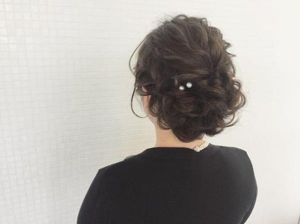 黒髪ロングヘアアレンジ特集 大人女性のおしゃれな簡単まとめ髪をご