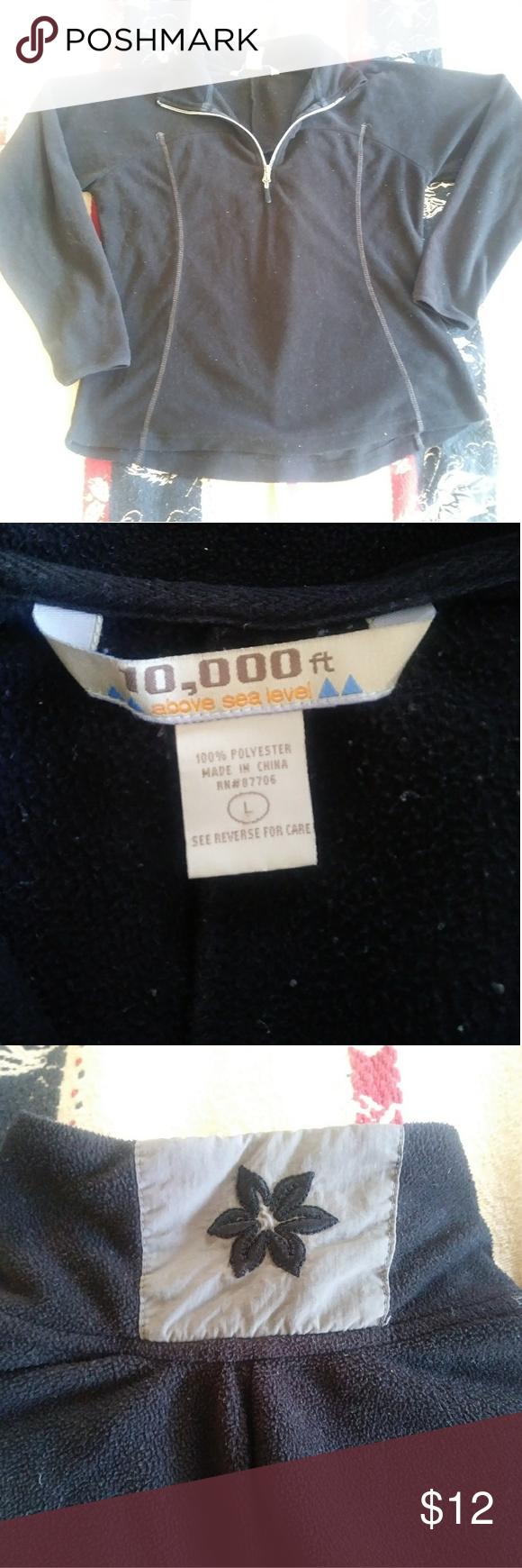 Fleece 1/4 zip Black quarter zip with grey accents. Excellent used condition. 10000 feet Tops