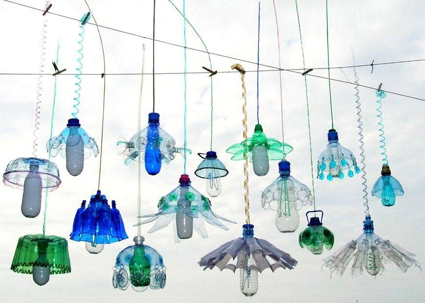 coup de artiste veronika richterov la f e du recyclage cr atif bouteille plastique. Black Bedroom Furniture Sets. Home Design Ideas