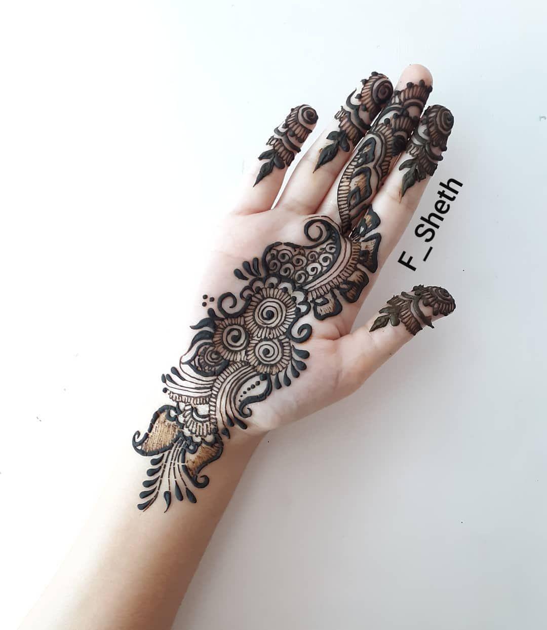 beautiful arabic mehndi design front hand