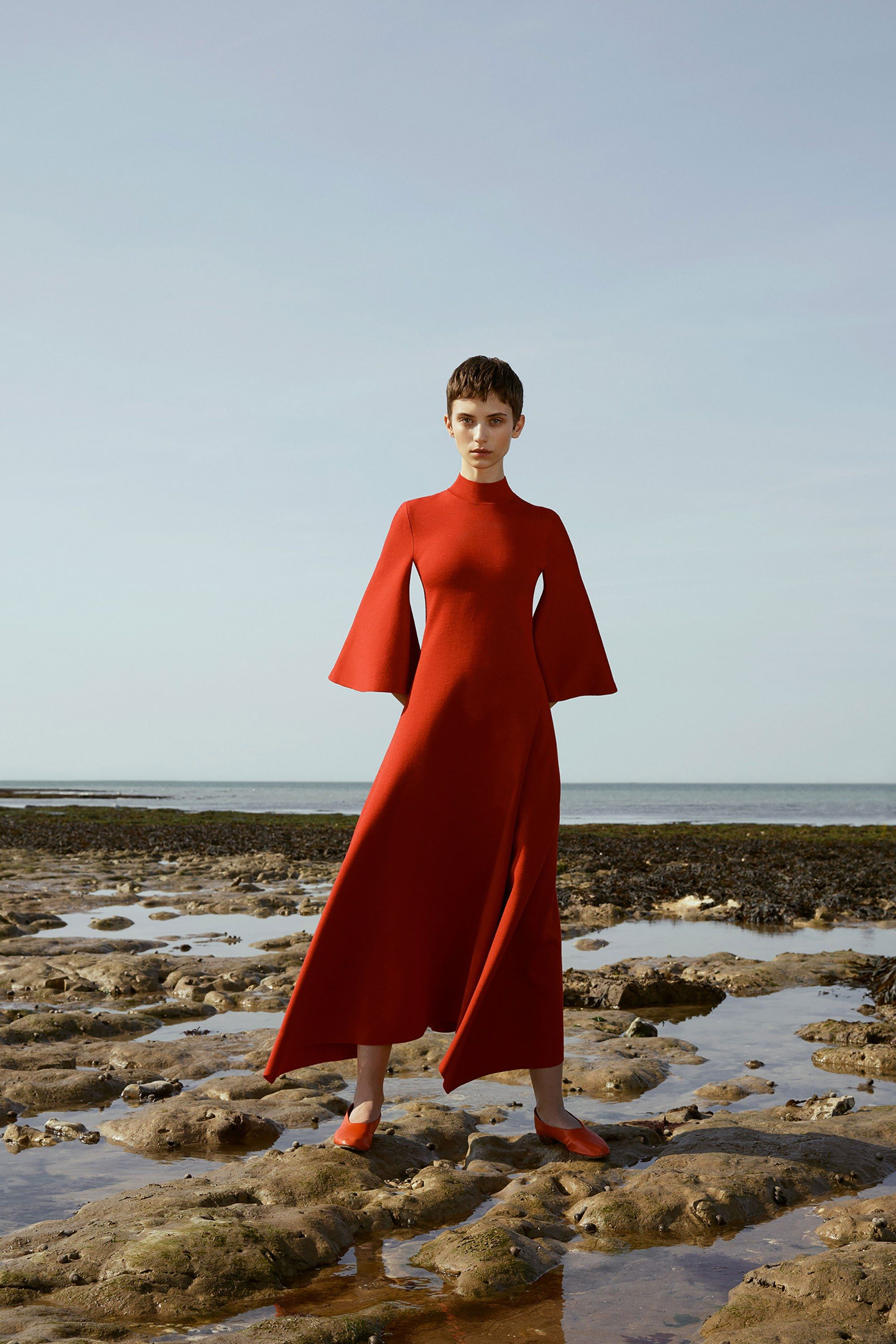 See the complete Pringle of Scotland Resort 2018 collection.