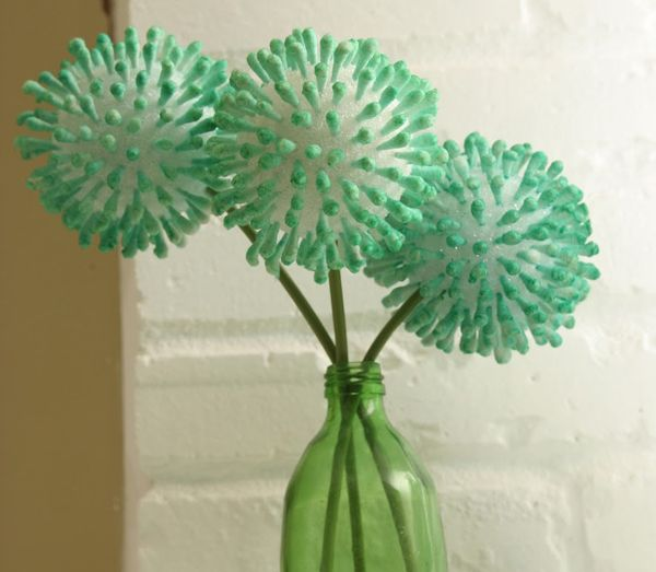 I could see this (with more q-tips) in a different color in my room. Cheap, easy and fun.