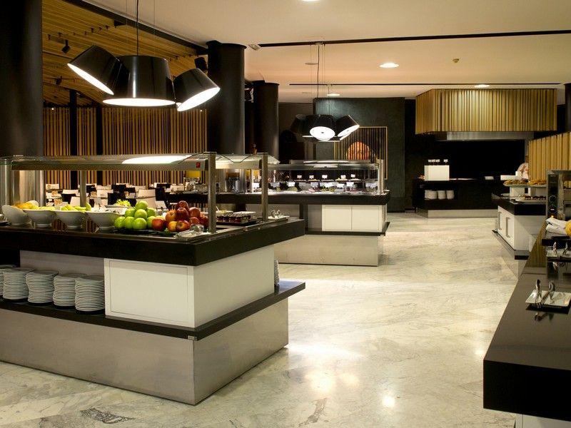 Restaurante buffet del hotel barcel sevilla renacimiento for Comedor industrial buffet