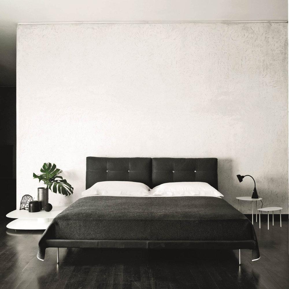 Rod bed in 2020 Bed, Bed design, Bed frame