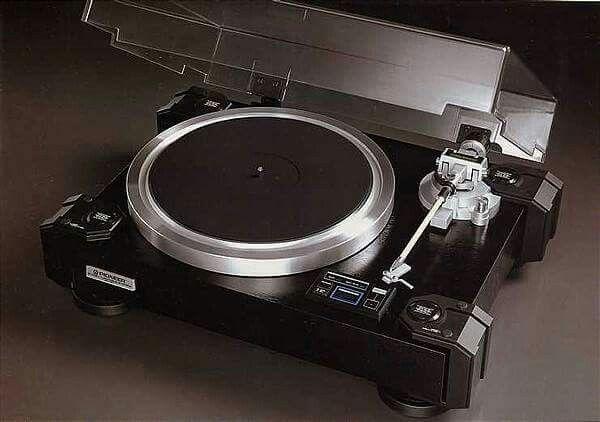Vintage audio Pioneer PL-90 Turntable