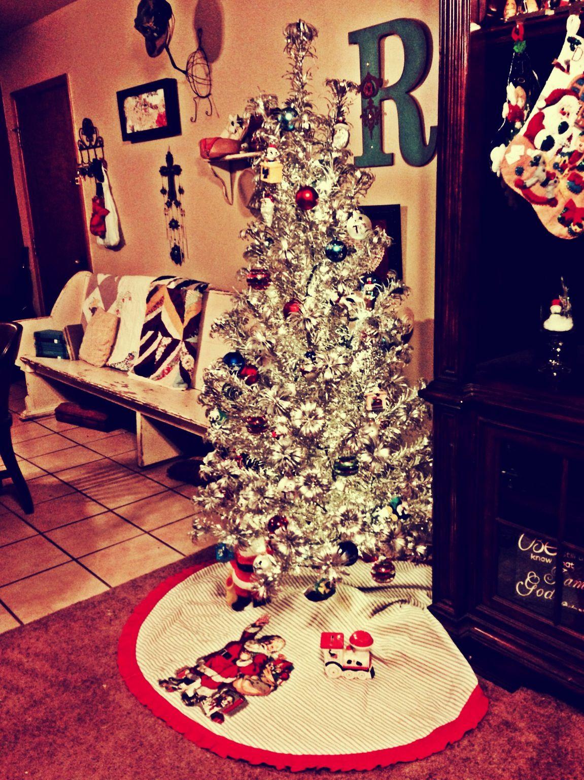 Vintage Christmas Tree 1942 Vintage Christmas Decorations Vintage Christmas Tree Aluminum Christmas Tree