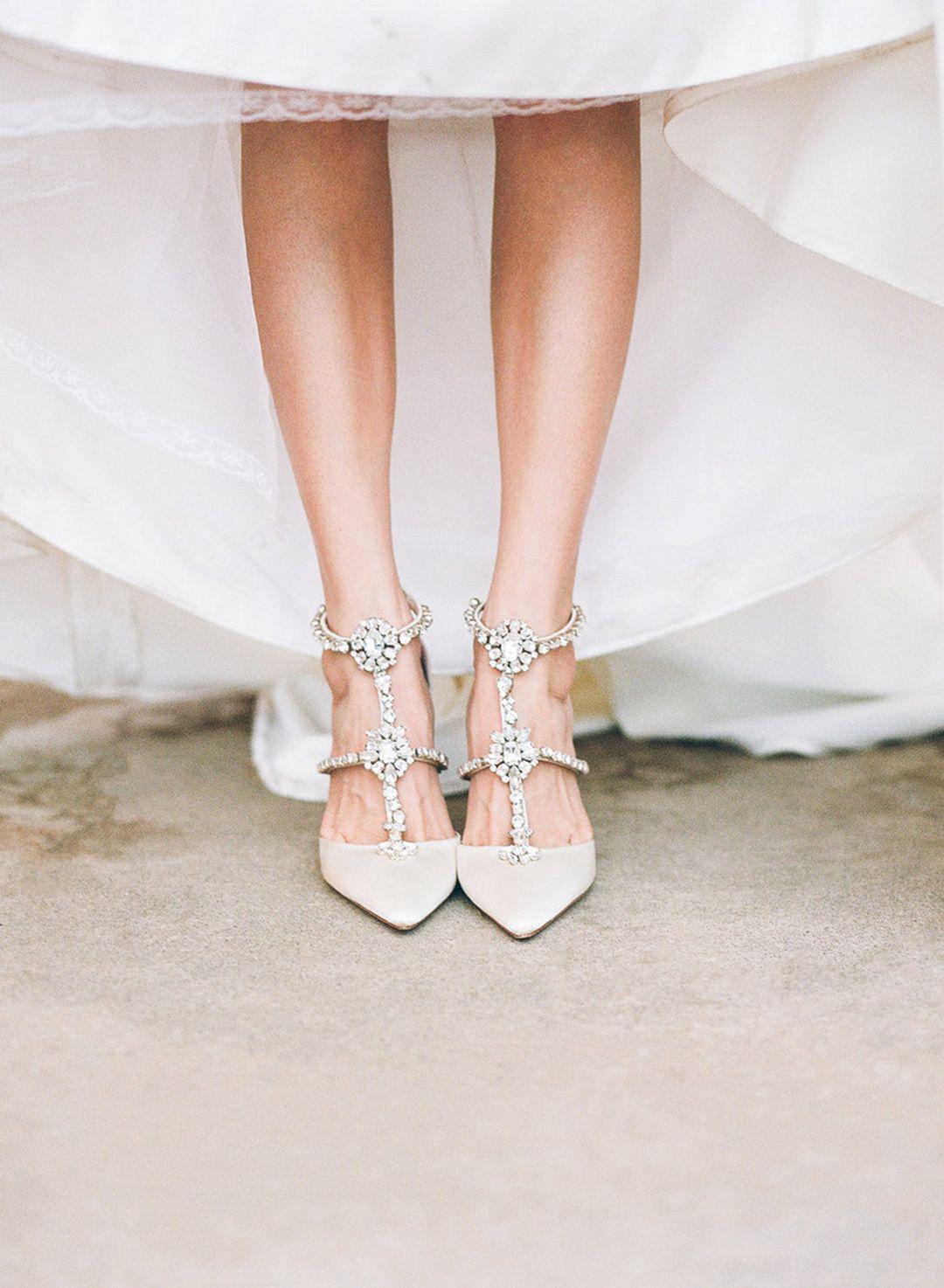 45 Beautiful Winter Wedding Shoes For Bride Looks More Elegant