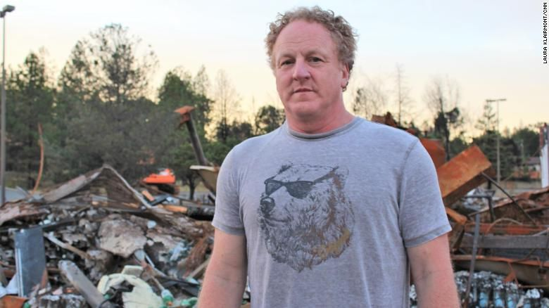 He's fixing up old RVs for families who lost their homes to California's worst wildfire #campfire