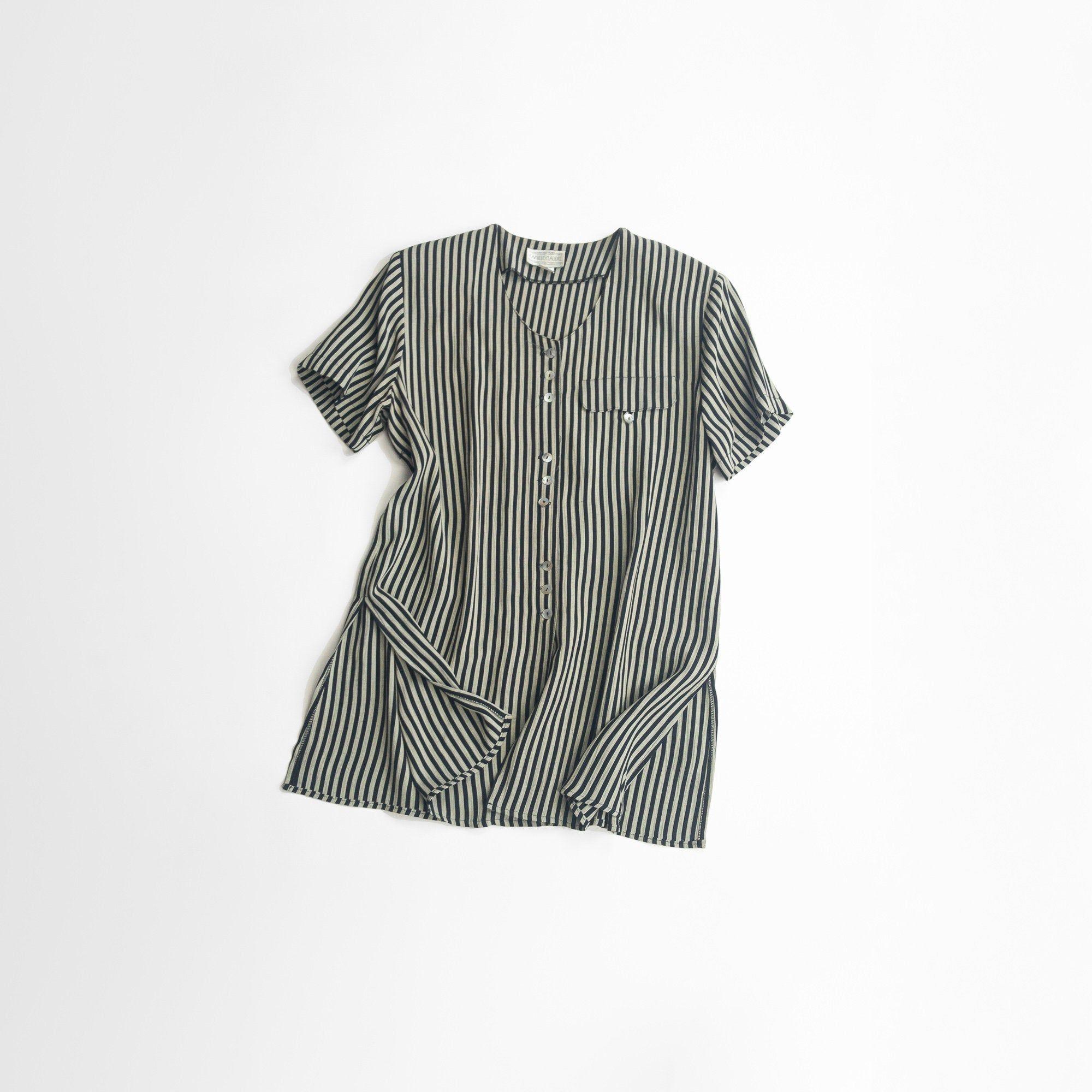 Black Medium Hemline Shoulder Pads Shirt//Blouse