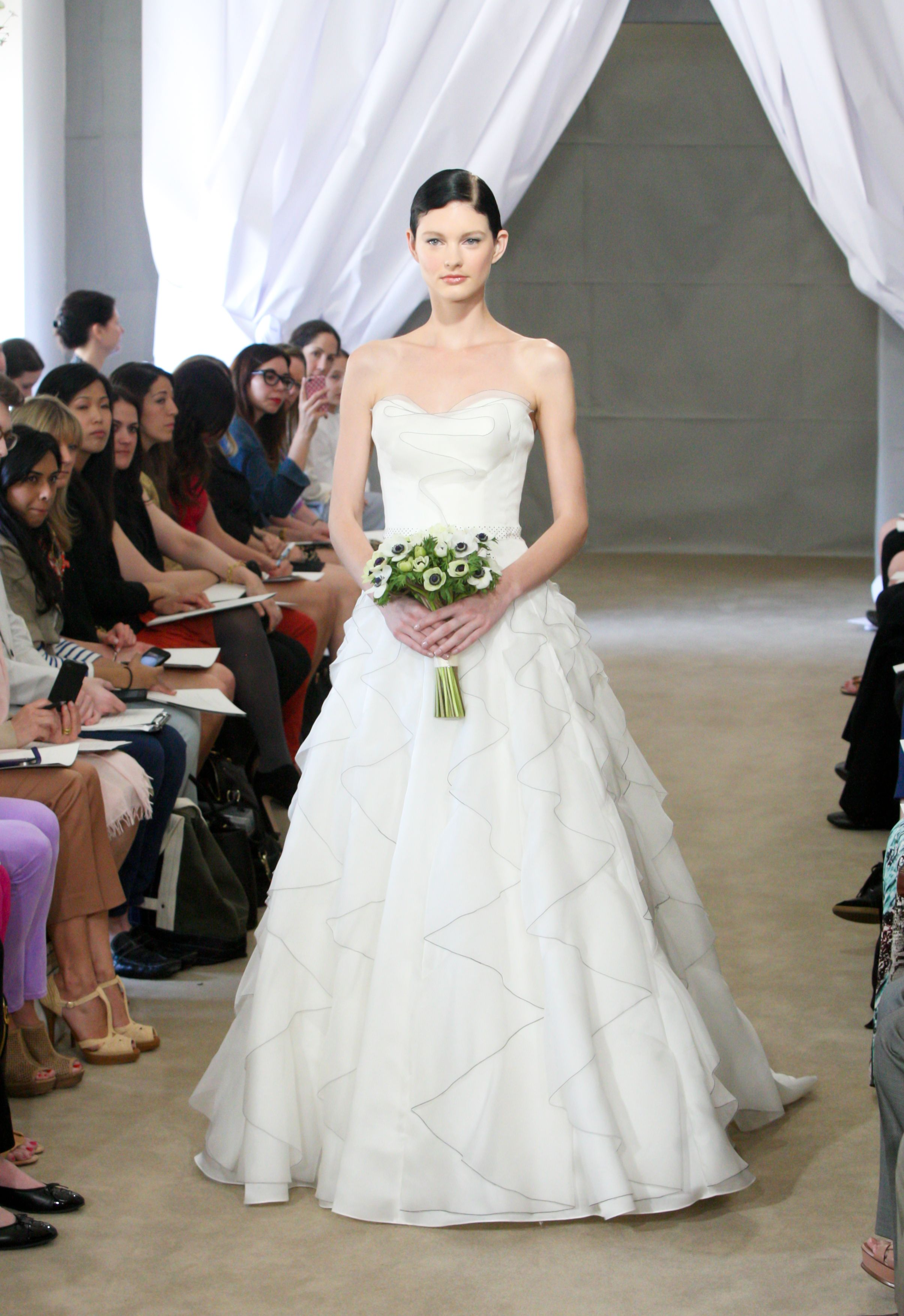 CarolinaHerrera Bridal #VARINSALON For this bridal hairstyle, Yann ...