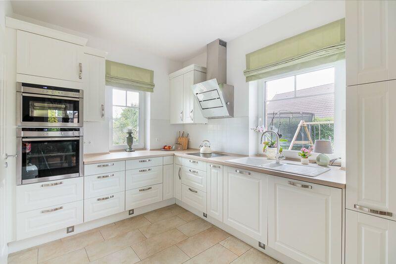 Landhaus Küche weiß mit Arbeitsplatte aus Holz - Interior Design ECO - küche weiß mit holz