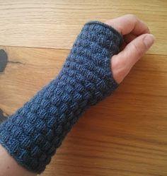Die Strickfabrik: Hilfe, ich bin im Minecraft-Fieber! #glovesmadefromsocks