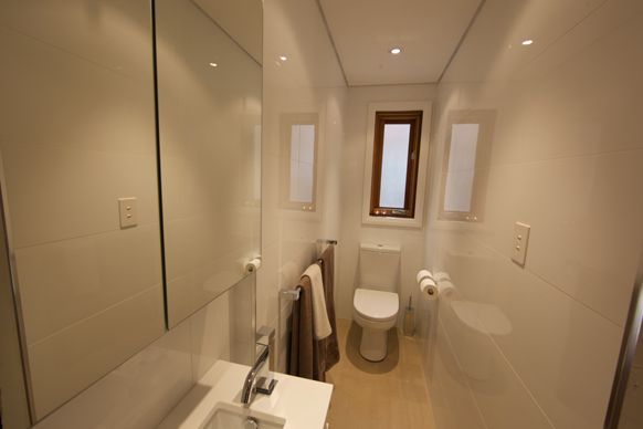 Working with tight spaces - skinny ensuite by Neisha & John (the block 2010)