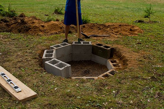 Cinder Block Fire Pit Gravel In Bottom For Drainage Nice Work Cinder Block Fire Pit Outside Fire Pits Outdoor Fire