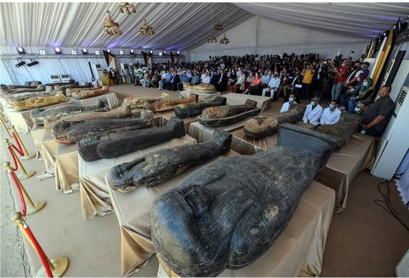 الكشف عن 59 تابوتا خشبيا مغلقا بحالتهم الأولي داخل آبار للدفن بمنطقة آثار سقارة Egitto Luoghi