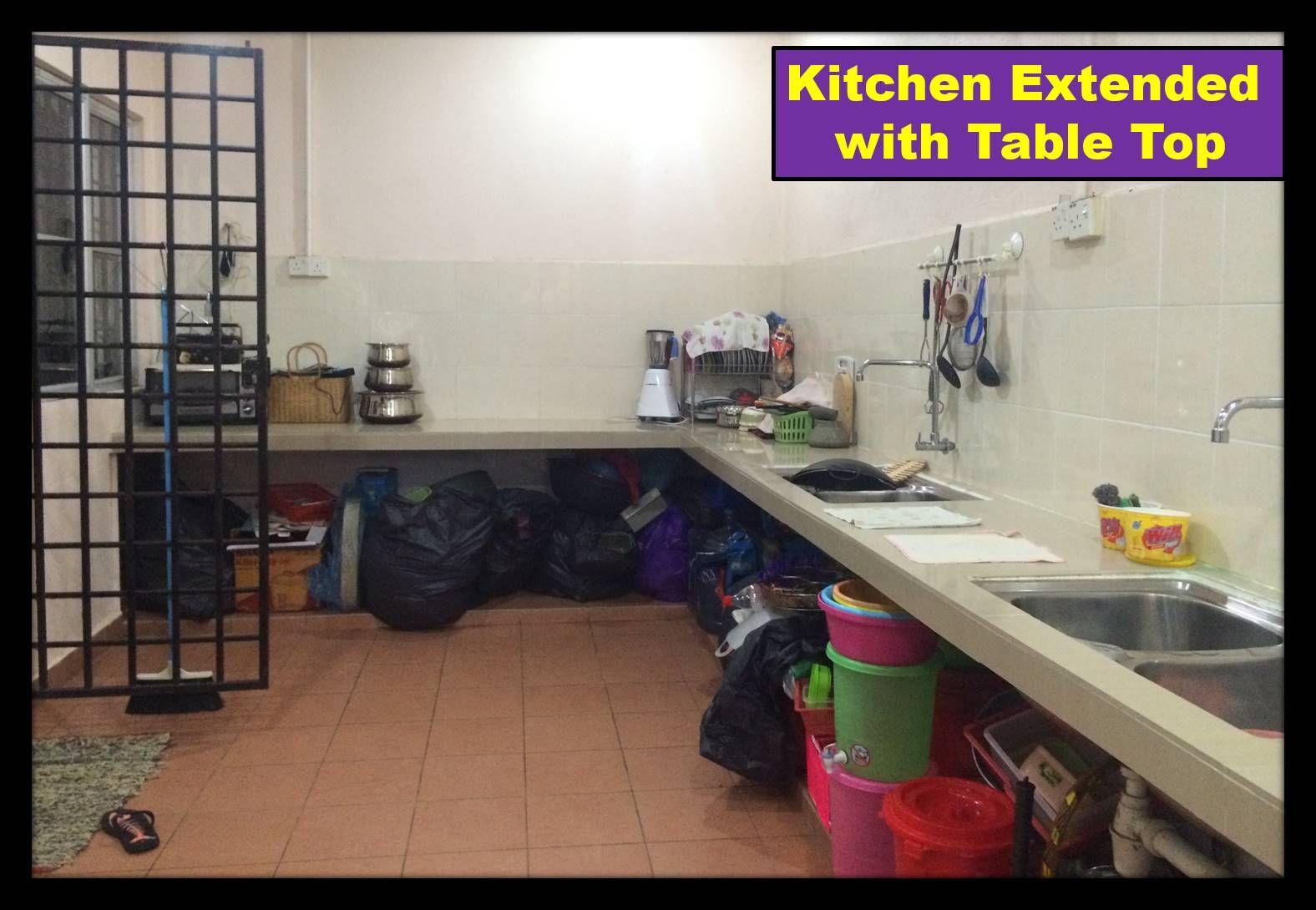 Taman Aman Perdana Semi D Klang Modern White Kitchen Cabinets White Modern Kitchen Dining Table Marble