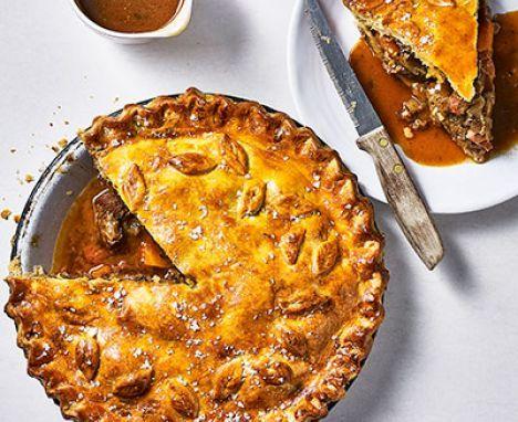 Easy steak pie | Recipe | Steak and ale, Steak ale pie ...