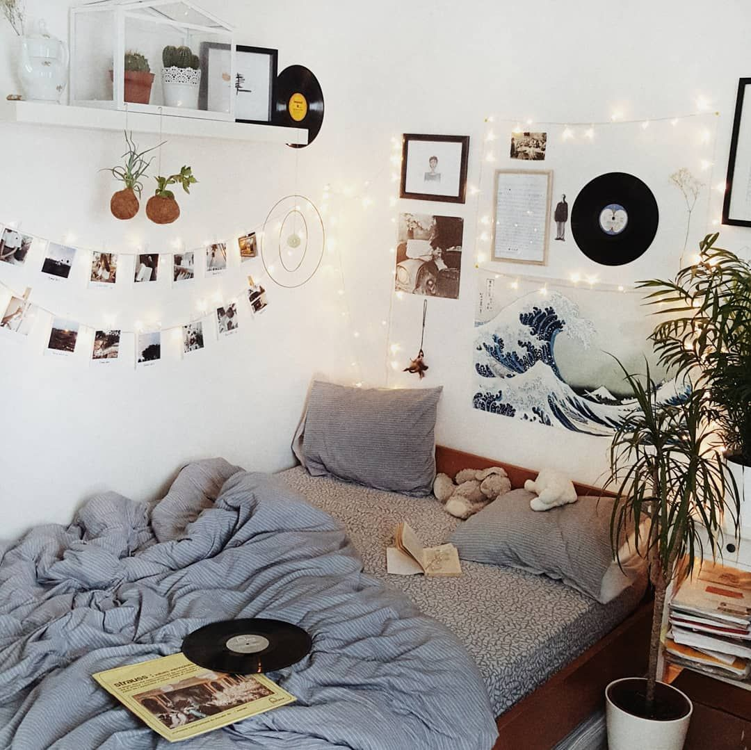 Artsy Room Home Decor In 2019 Room Decor Bedroom Aesthetic Rooms