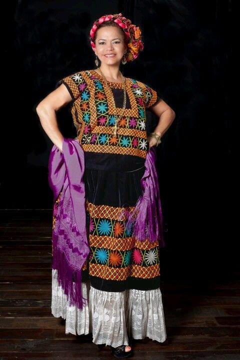 Tehuana | Traditional Dress of Mexico | Pinterest | Trachten