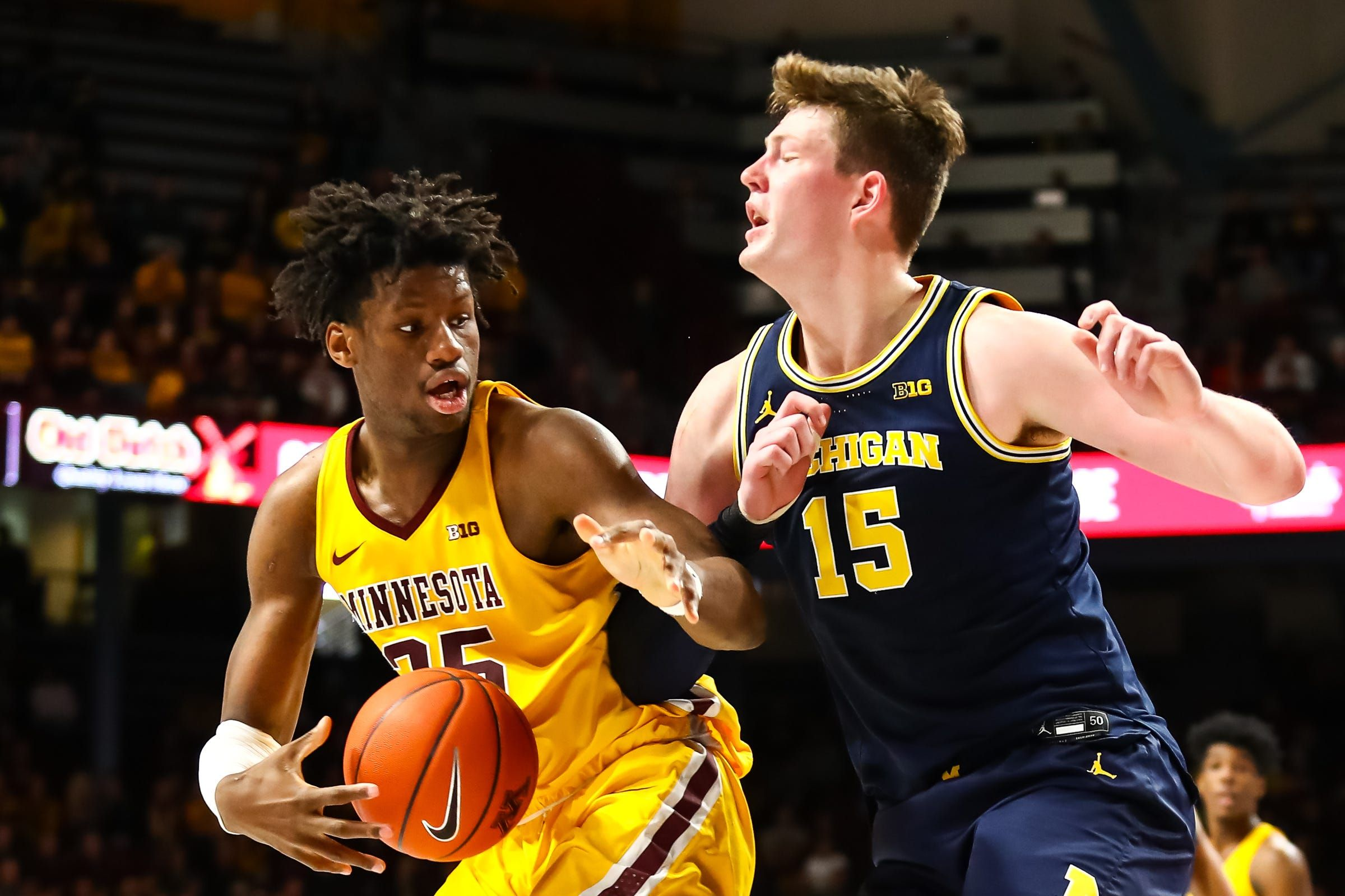 Here S Why Michigan Basketball Is Struggling To Defend Big Men In 2020 Michigan Sports Big Men Michigan