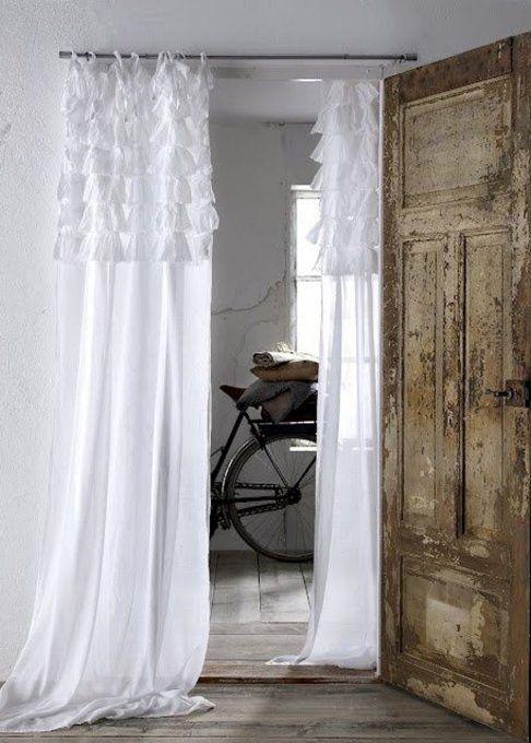 le rideau l ment fonctionnel et d coratif hallways pinterest entr e les rideaux et. Black Bedroom Furniture Sets. Home Design Ideas