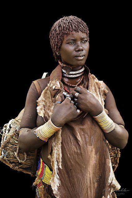 tribal-african-women-leaking-breastmilk