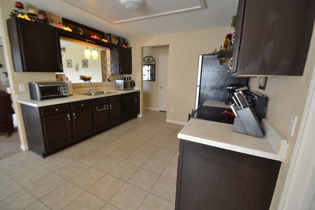 471 Emerald Fields Home for Sell Kyle Texas Large Kitchen