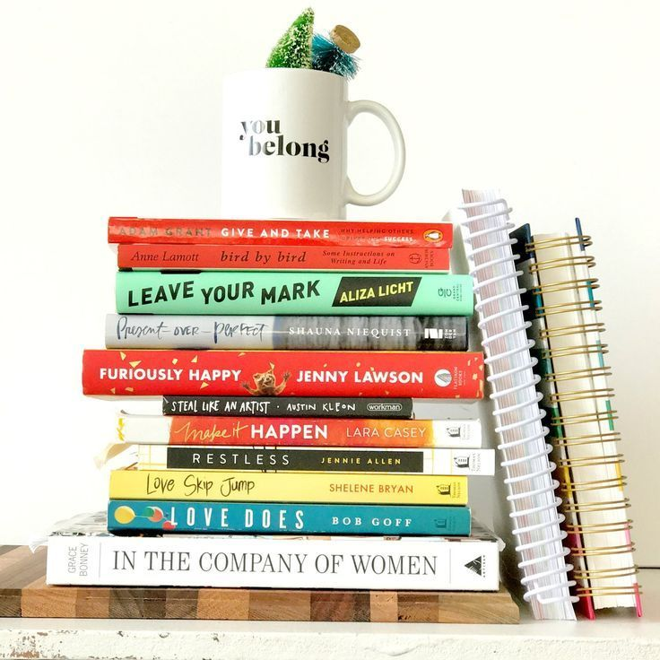 books to build a year on - belong magazine blog - creative entrepreneur, boss lady, female in business, planning, goal setting, inspiration