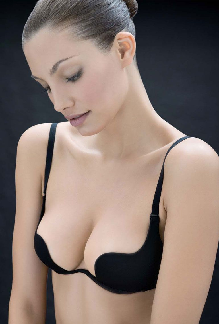 69a966decc0 RITRATTI Star-cup bra plus € 99.00  incl VAT plus Shipping  Star-cup bra  for low necklines comfortable well-fitting cups with oil deposit.