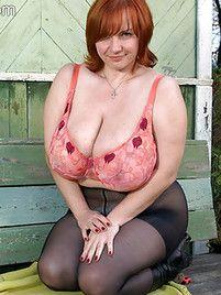 Mature Huge Tits Pics At Huge Tits Juggs